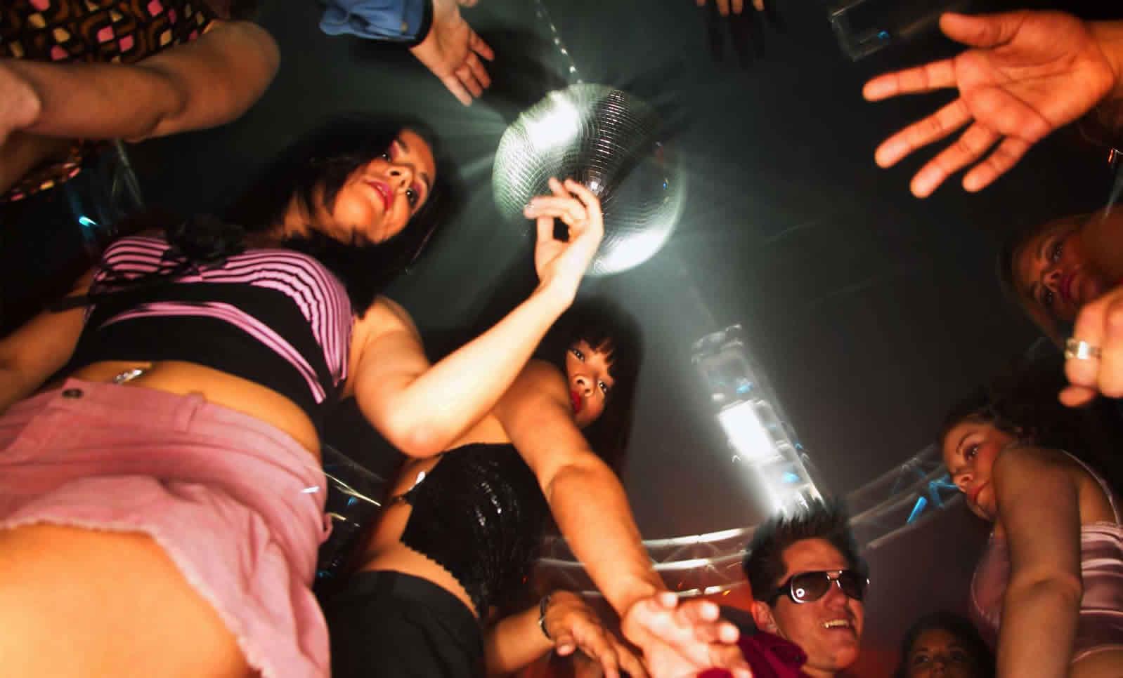 Секс на диско клуб 20 фотография